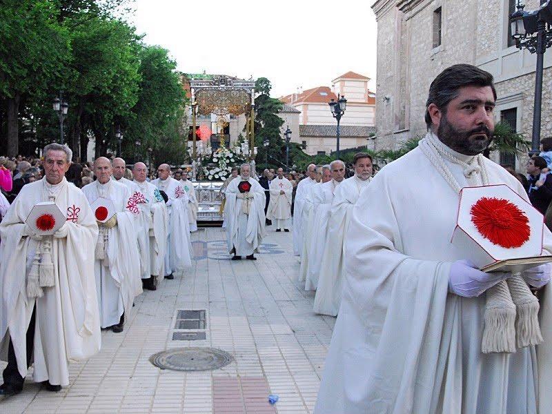Actualmente una representación de las Ordenes Militares, asiste todos los años a la Procesión del Corpus Christi