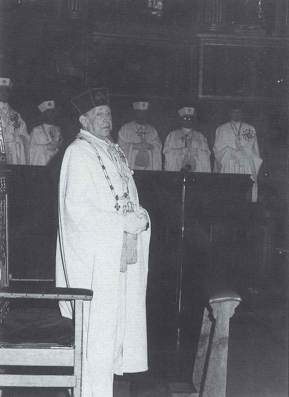 S.A.R. D. Juan de Borbón en nuestra Catedral en la festividad del Corpus Christi del año 1985